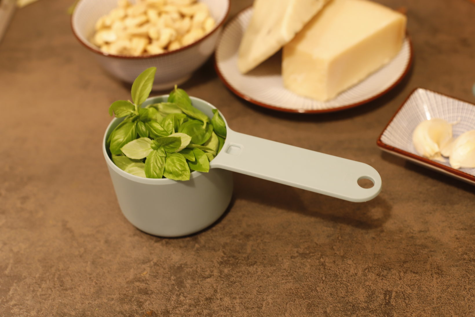 one cup of basil