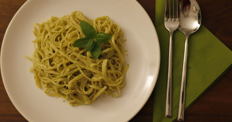 Green Pesto with Cashews